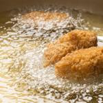 オリーブオイルで揚げるコロッケ