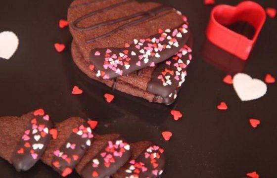 バレンタイン向けハート型カリカリチョコレート
