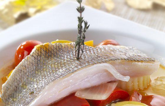 【鯛切り身レシピ】オリーブオイルで鯛の煮込み、タイム風味