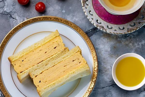 スペイン産オリーブオイルで作る厚焼き玉子サンド